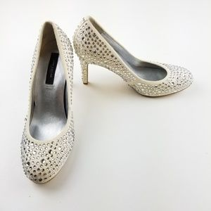 Ann Taylor Cream Rhinestone Leather Heels Size 7